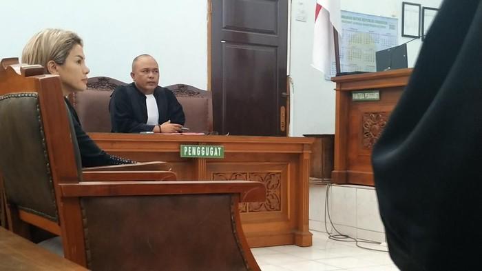 Sidang Nikita Mirzani di PN Jaksel. (Foto: Bil Wahid/detikcom)