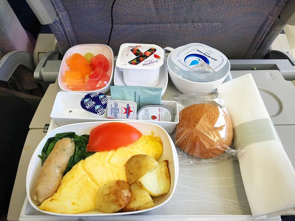 baki makanan di pesawat