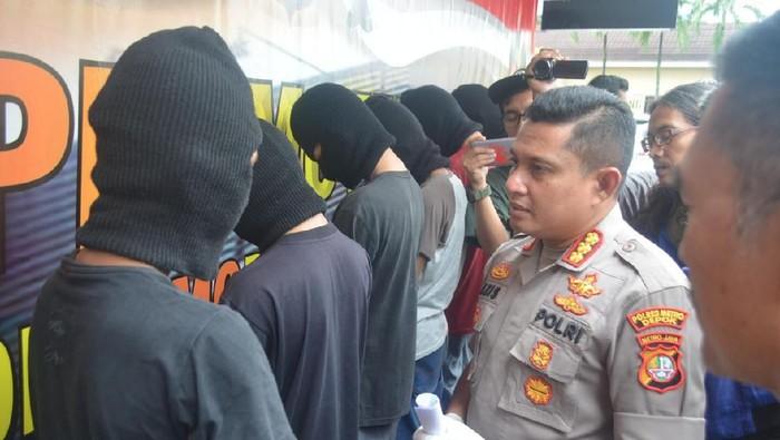 Enam orang begal sadis di Depok ditangkap polisi