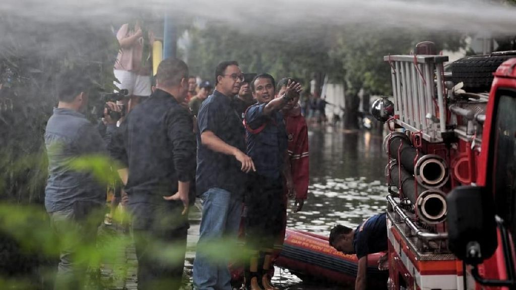 Anies Didemo dan Disindir Usai Jakarta Banjir
