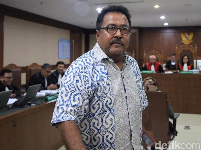 Mantan Wagub Banten, Rano Karno dicecar jaksa KPK soal fee proyek untuk pejabat di Banten. Atas fee proyek itu, Rano Karno mengatakan tidak pernah mendengar.
