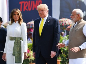 Melania Minta Semua Orang Pakai Masker, Donald Trump: Aku Tak Melakukannya