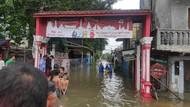 14 RT di Jelambar Terendam Banjir 70 Cm, 3 Unit Pompa Dikerahkan