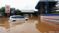 Langkah-langkah Menyelamatkan Mobil yang Terendam Banjir