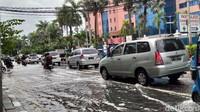 Bisnis Lumpuh Gara-gara Jakarta Dikepung Banjir