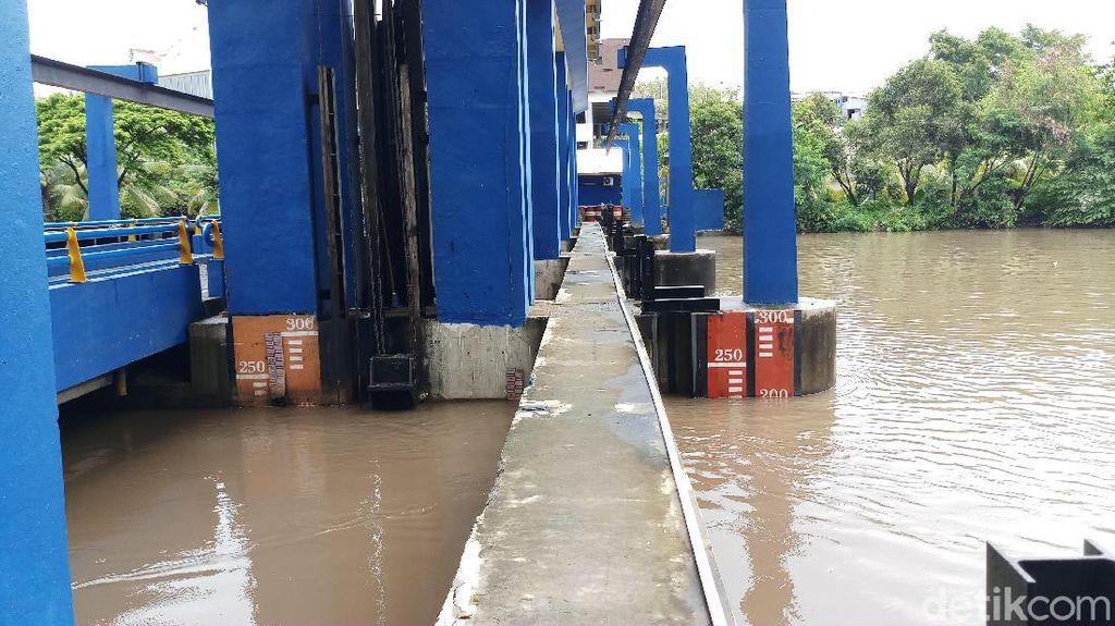 Pintu Air Pasar Ikan Siaga 2, Warga Penjaringan-Ancol Diminta Waspada