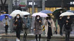 Stok Masker Kurang karena Virus Corona, Warga Jepang Berkelahi di Jalan