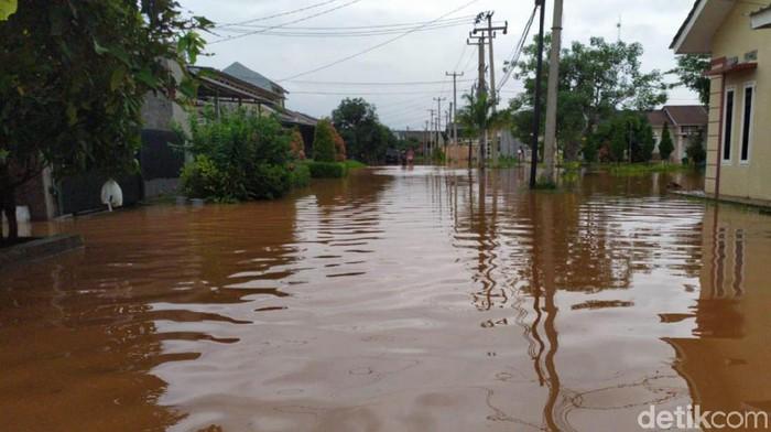 Ratusan rumah di Cileungsi Bogor terendam banjir
