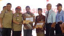 Aksi Heroik Kodir-Rois Selamatkan Siswa SMPN 1 Turi Diganjar Penghargaan