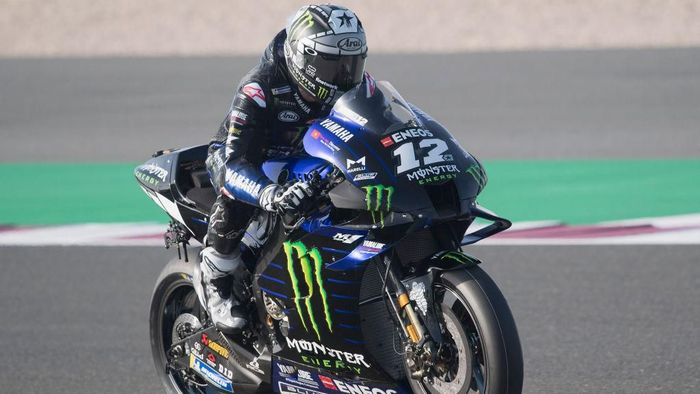 DOHA, QATAR - FEBRUARY 22:   Maverick Vinales of Spain and Monster Energy Yamaha MotoGP Team  heads down a straight during the MotoGP Tests at Losail Circuit on February 22, 2020 in Doha, Qatar. (Photo by Mirco Lazzari gp/Getty Images)