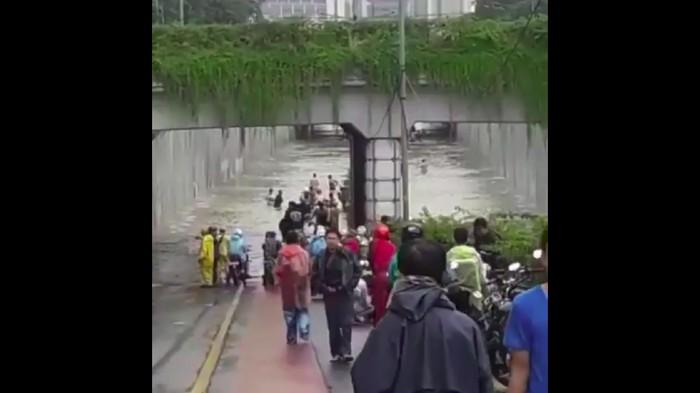 Underpass Angkasa Terendam Banjir