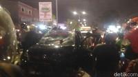 Bawa Anak-Istri, Pemobil Tabrak Puluhan Pemotor di Makassar