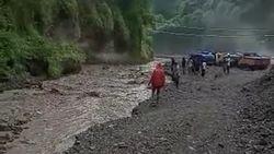 Sempat Terjebak Lahar Hujan Gunung Kelud, 25 Penambang Pasir Selamat