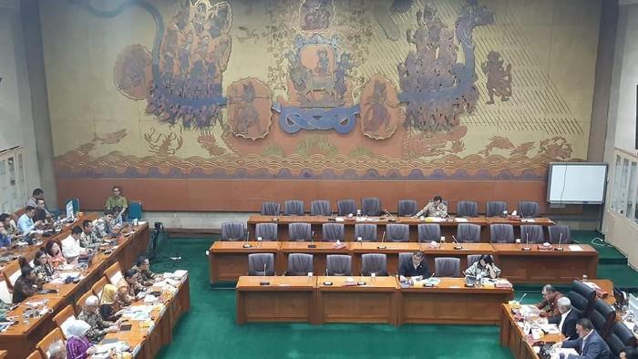 Komisi VI Panggil Bos Pertamina Bahas Kilang hingga Subsudi