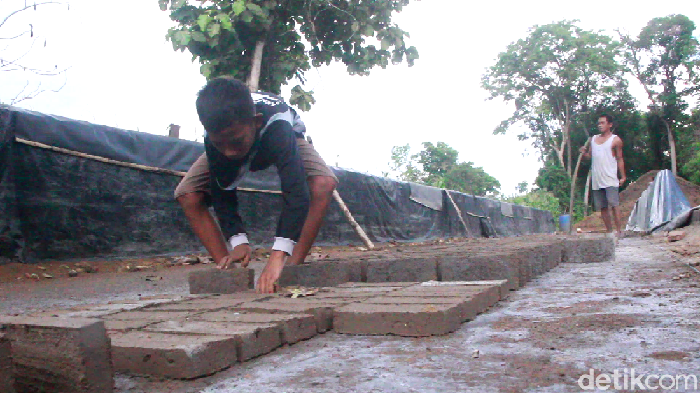 Bocah Kelas 5 SD di Sidrap yang jadi Tulang Punggung Keluarga