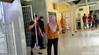 Genangan Banjir Surut, RSCM Bersih-bersih
