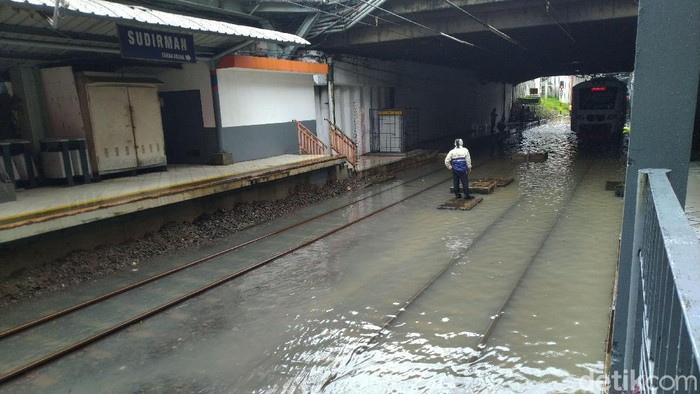 Kondisi di Stasiun Sudirman Selasa (25/2/2020) pukul 10.20 WIB (Sachril Agustin Berutu/detikcom)