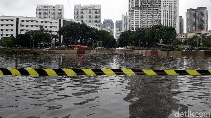 Underpass Kemayoran banjir/M Ilman Nafian-detikcom