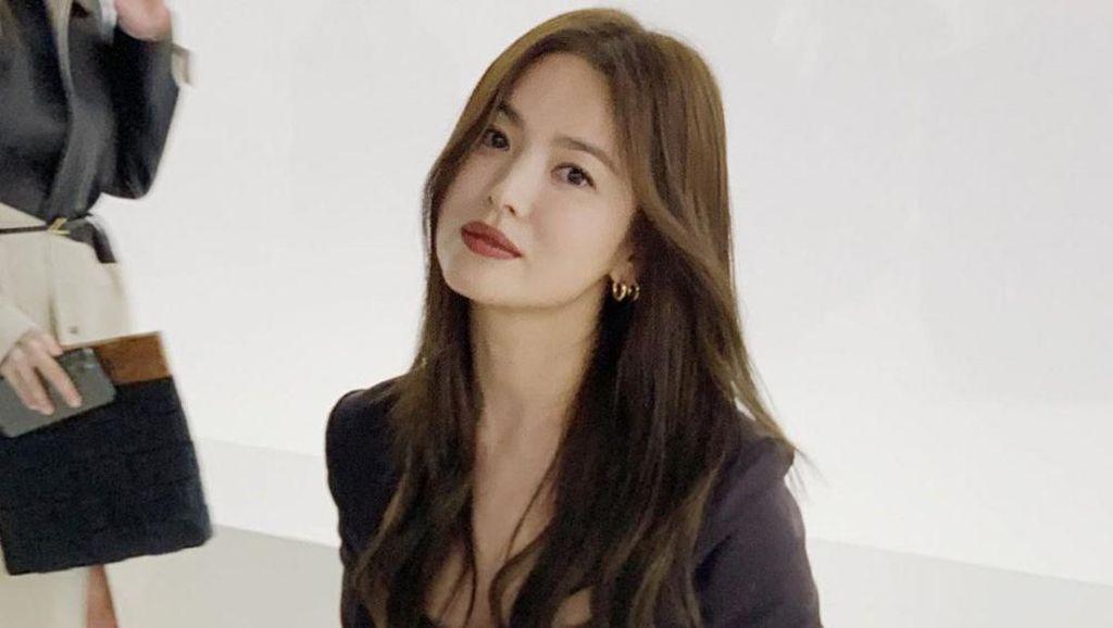 Tampil Beda di Pemotretan, Wajah Song Hye Kyo Nyaris Tak Dikenali