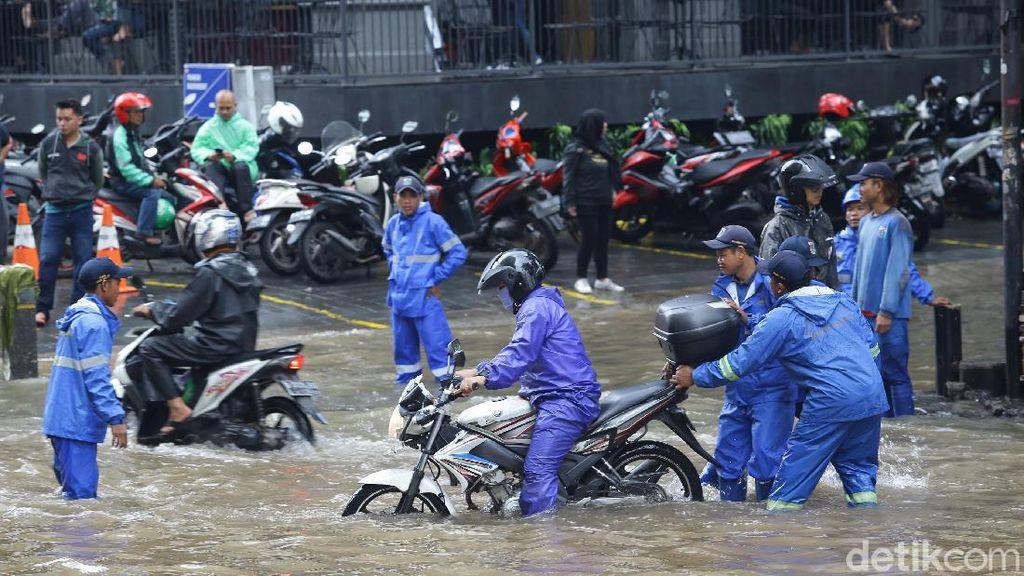 PNS Cuti Sebulan Gara-gara Banjir Tetap Dapat Gaji?