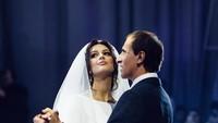Eks Istri Sultan Malaysia Foto Bareng Ayahnya, Malah Dikira Nikah Lagi