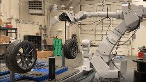 Ganti Ban Cepat Cuma Hitungan Menit, Serahkan pada Robot Ini
