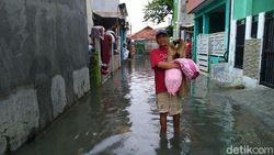 Ricuh AEON Jakarta Garden City, Warga: Dulu di Sini Nggak Banjir