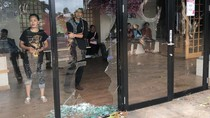 Cerita Mencekam AEON Mall Cakung Kena Kepung