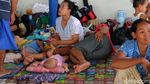 Korban Banjir Karawang Masih Mengungsi