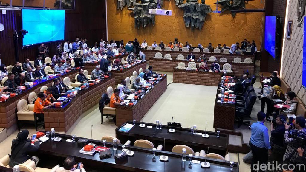 Legislator Gerindra Bandingkan Kehadiran Anies-Jokowi Saat Rapat Banjir di DPR