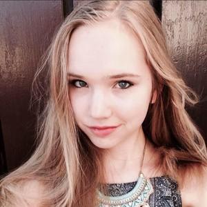 Sosok Naomi Seibt, Rival Greta Thunberg Realistis dengan Perubahan Iklim
