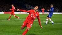 Serge Gnabry: Hancurkan Tottenham, Hempaskan Chelsea