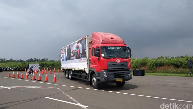 Adu Skill Sopir Truk UD Trucks