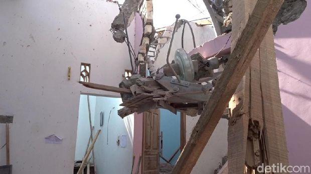 Begini Kondisi Rumah yang Rusak Ditimpa Tower PLN Roboh di Rembang