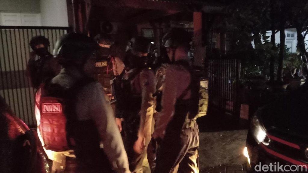 KPK Geledah Rumah Adik Ipar Nurhadi di Surabaya, DPO Tak Ditemukan