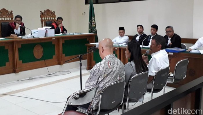 Wali Kota Yogyakarta Haryadi Suyuti jadi saksi sidang suap 2 jaksa di Tipikor Yogyakarta, Rabu (26/2/2020).