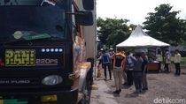 Tekan Kecelakaan, Petugas Razia Truk Obesitas di Tol Palikanci Cirebon