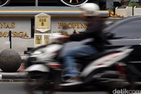 Tanggal surat keputusan tersebut pun menandai lahirnya Kota Bandung, dan tempat tongkat Daendels ditancapkan menjadi titik awal pembangunan Kota Bandung yang sekarang dikenal dengan titik nol kilometer Bandung.