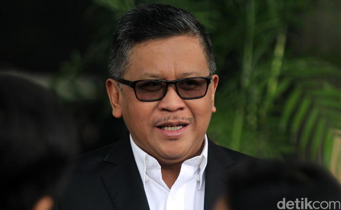 Sekjen PDIP Hasto Kristiyanto memenuhi panggilan KPK. Ia menjalani pemeriksaan terkait kasus suap PAW anggota DPR yang menjerat Harun Masiku.