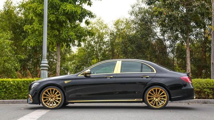 Modifikasi Mercedes-Benz E 300 AMG ala sultan