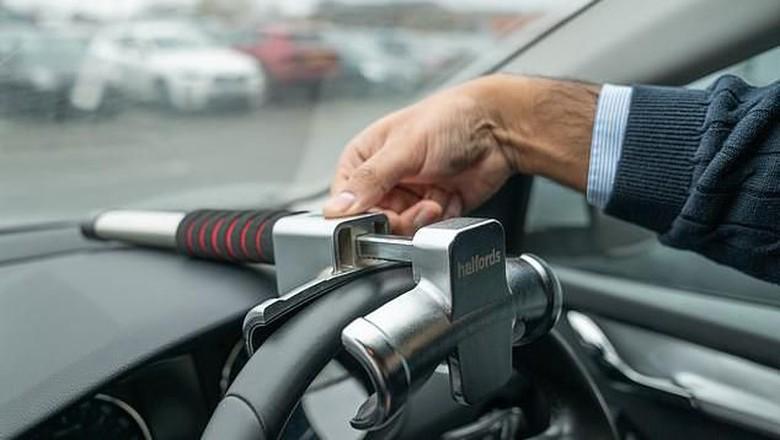 Kunci Setir Mobil