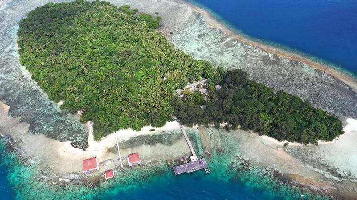 Foto aerial Pulau Sebaru Kecil di Kepulauan Seribu, Jakarta, Senin (26/2/2020). Pulau tersebut akan menjadi lokasi observasi 188 WNI ABK World Dream suspect virus corona. ANTARA FOTO/Akbar Nugroho Gumay/ama.