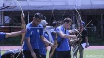 Ketika Persib Bandung Mendadak Latihan Memanah