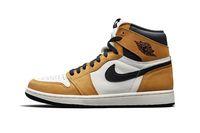 Viral, Penumpang Ojol Nyeker Sambil Tenteng Sneakers Air Jordan