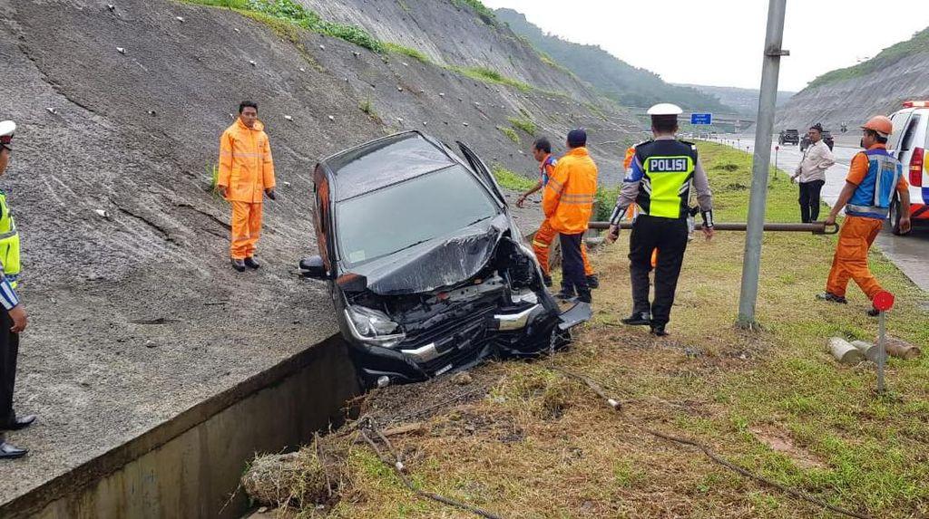 Laka Tunggal di Tol Pandaan-Malang, Satu Tewas Terlempar, Dua Orang Luka