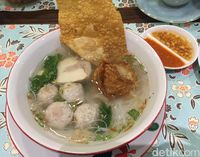 Dapur Oma Poppy: Bisa Makan Enak Khas Suroboyo di Sini