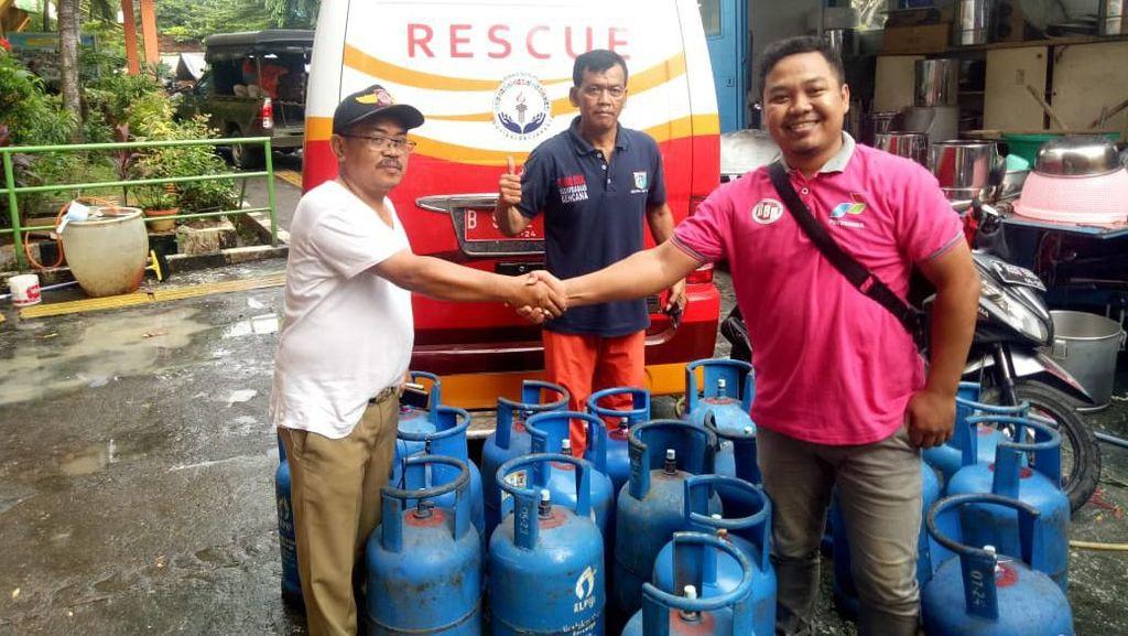 Bantu Korban Banjir, Pertamina Kirim Ratusan LPG untuk 5 Dapur Umum