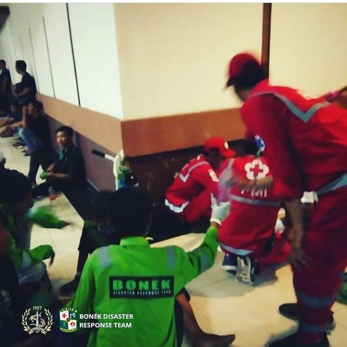 Bonek Green Nord 27 punya tim medis sendiri di Stadion GBT