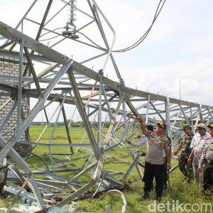 Tower PLN Roboh, 70% Jaringan Listrik Rembang-Blora Terganggu