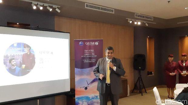Country Manager Qatar Airways untuk Indonesia, Ajay Jacob saat pelucuran Quisine, makanan penumpang ekonomi Qatar Airways